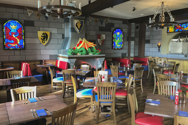 LEGOLAND Castle Hotel at LEGOLAND California is officially opening on April 27, 2018. This is a first look at the new LEGOLAND hotel in Carlsbad. - LivingMiVidaLoca.com   #LEGOLANDCA #LEGOhotel