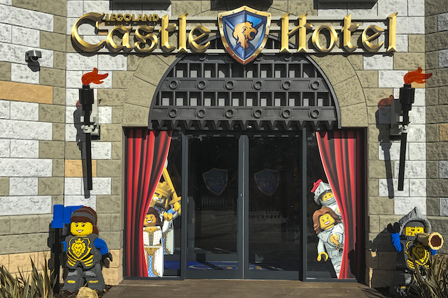 LEGOLAND Castle Hotel at LEGOLAND California is officially opening on April 27, 2018. This is a first look at the new LEGOLAND hotel in Carlsbad. - LivingMiVidaLoca.com | #LEGOLANDCA #LEGOhotel