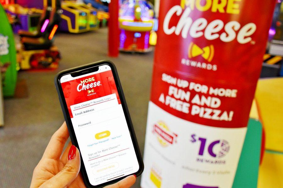 How to download Chuck E Cheese rewards program app on phone - livingmividaloca.com