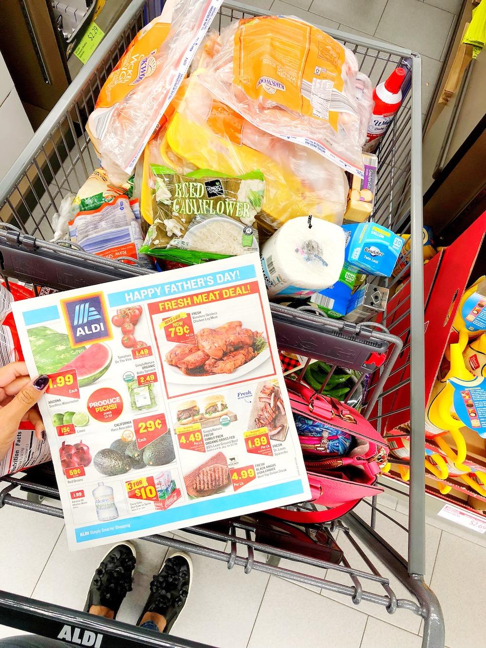 ALDI ad and keto food in grocery cart - livingmividaloca.com