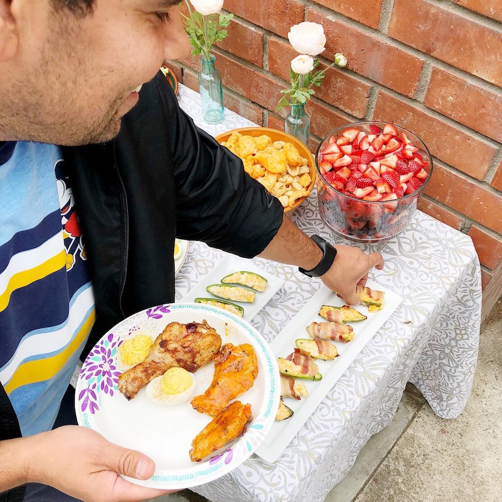 keto friendly party food including bacon wrapped jalapeños - livingmividaloca.com