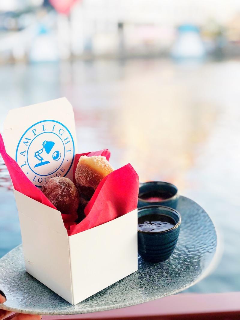 Lamplight Lounge donuts - livingmividaloca.com - #pixarpier #disneyland #disneycaliforniaadventure