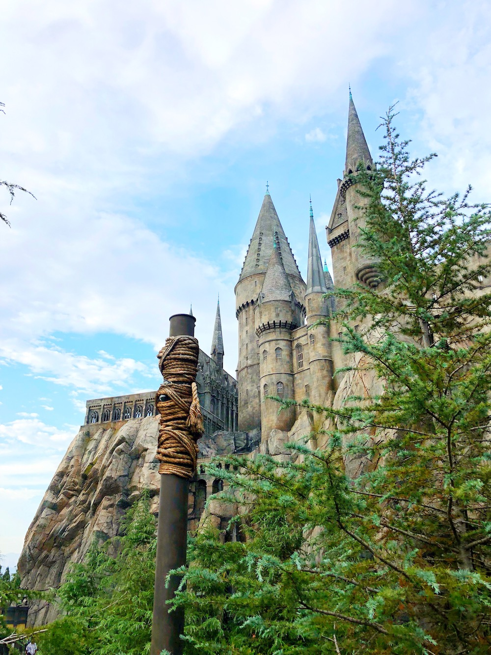 Hogwarts castle at universal studios Hollywood - livingmividaloca.com