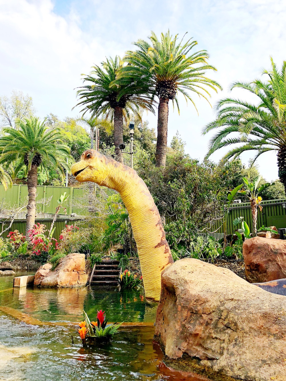 Dinosaur along the river at universal studios - livingmividaloca.com
