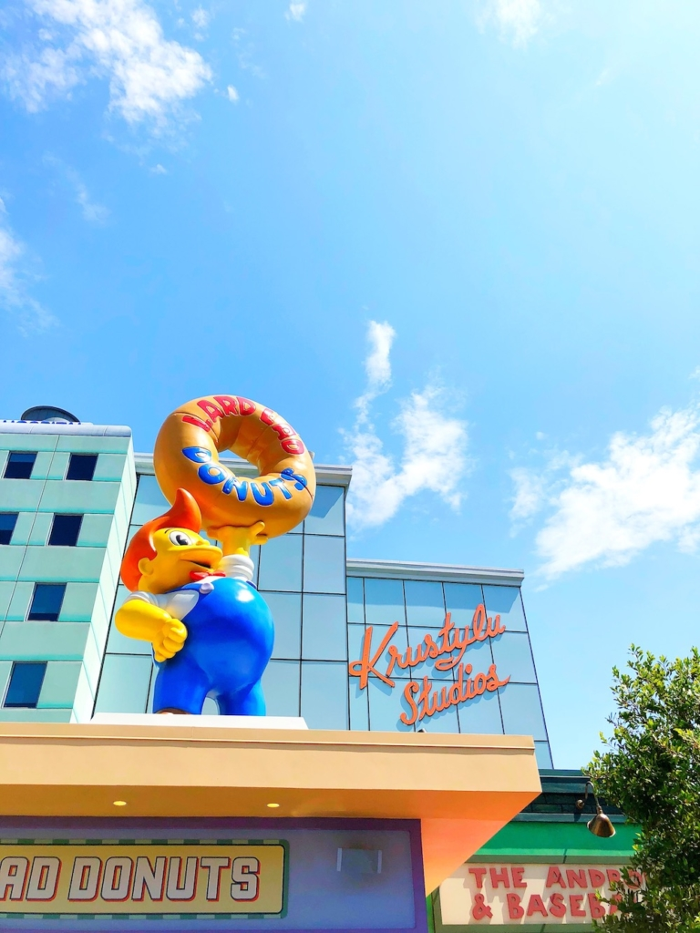 Lard lad donuts at universal studios Hollywood - livingmividaloca.com