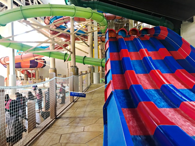 Great Wolf Lodge deals and penny pinching ideas to use when visiting the water park resort. - livingmividaloca.com - #LivingMiVidaLoca #GreatWolfLodge #WaterPark