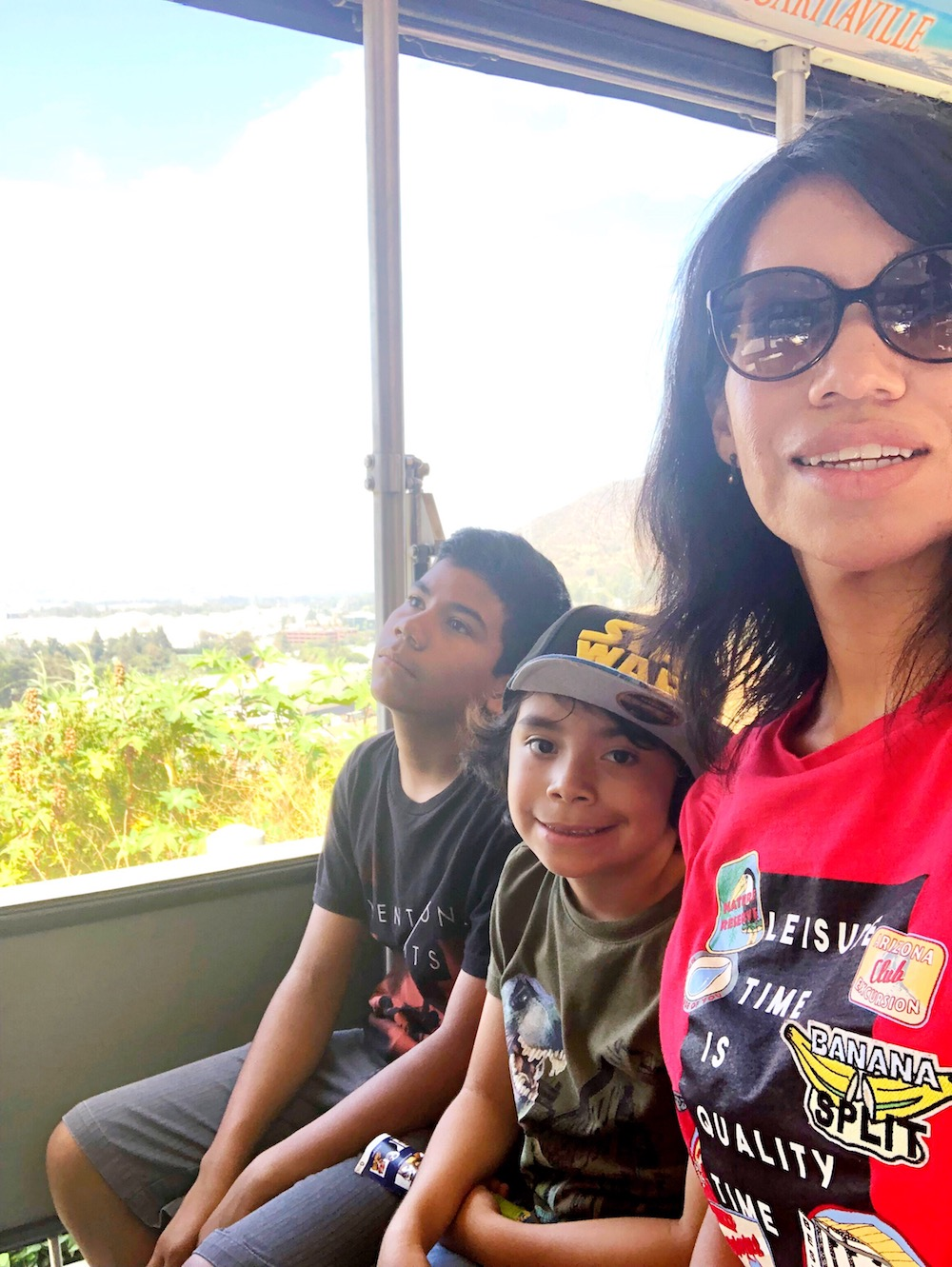 family riding the studio tour tram - livingmividaloca.com