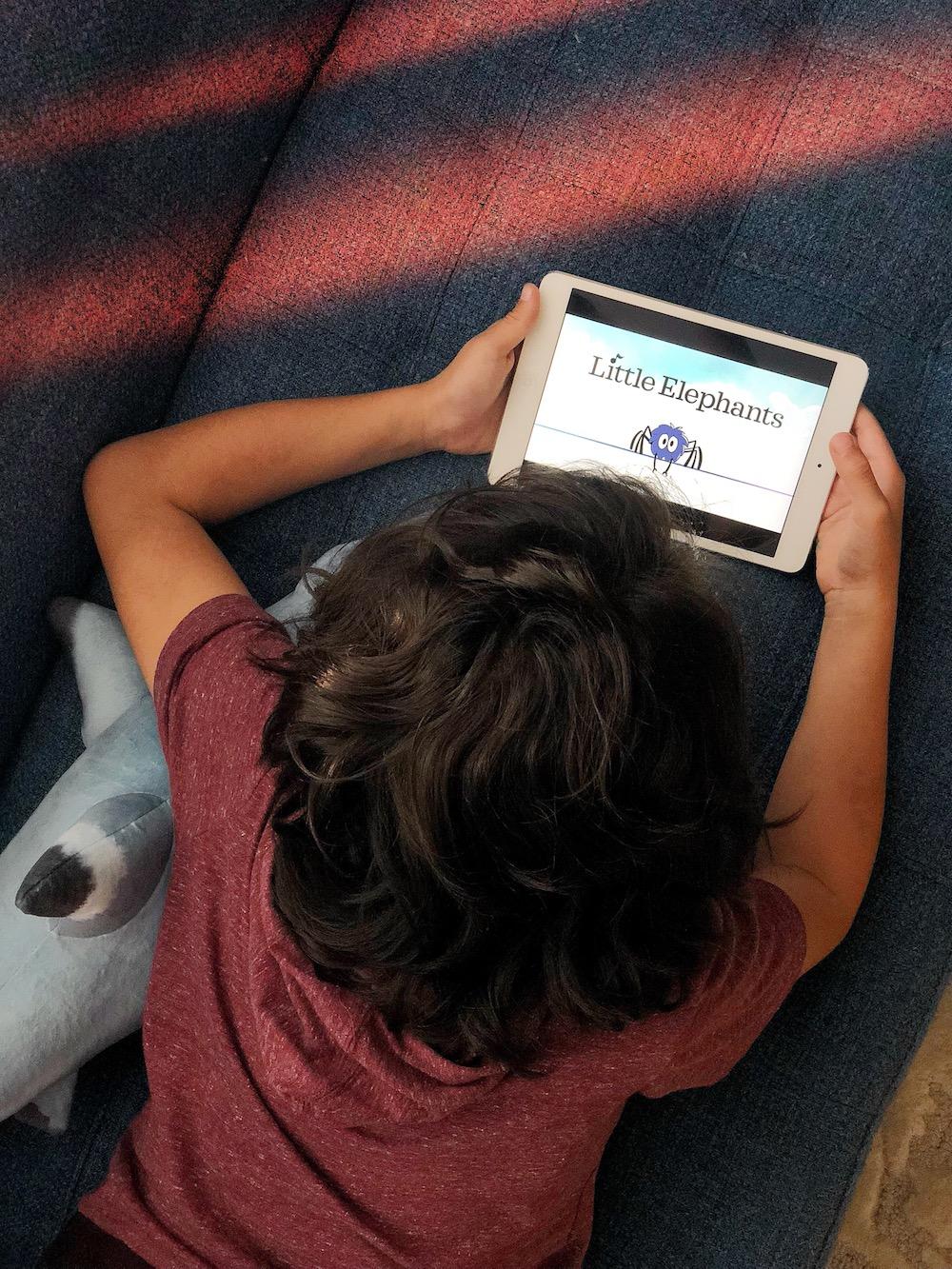 Learn spanish nursery rhymes with Canticos with Nick Jr. | livingmividaloca.com | #livingmividaloca #canticos #spanishnurseryrhymes #spanishrhymes #nurseryrhymes