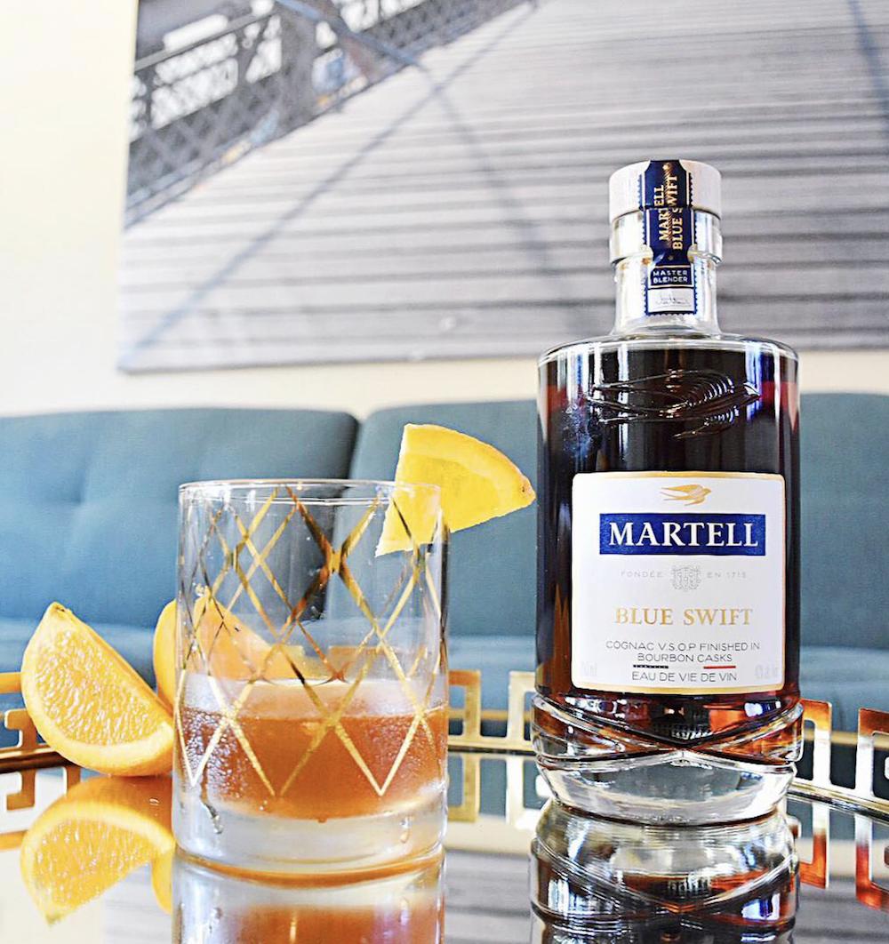 Make this easy Fall bourbon cocktail with Martell Blue Swift, Agave Nectar, bitters and orange juice. | livingmividaloca.com | #livingmividaloca #cocktail #bourboncocktail #martellblueswift #fallcocktail #fallbourboncocktail