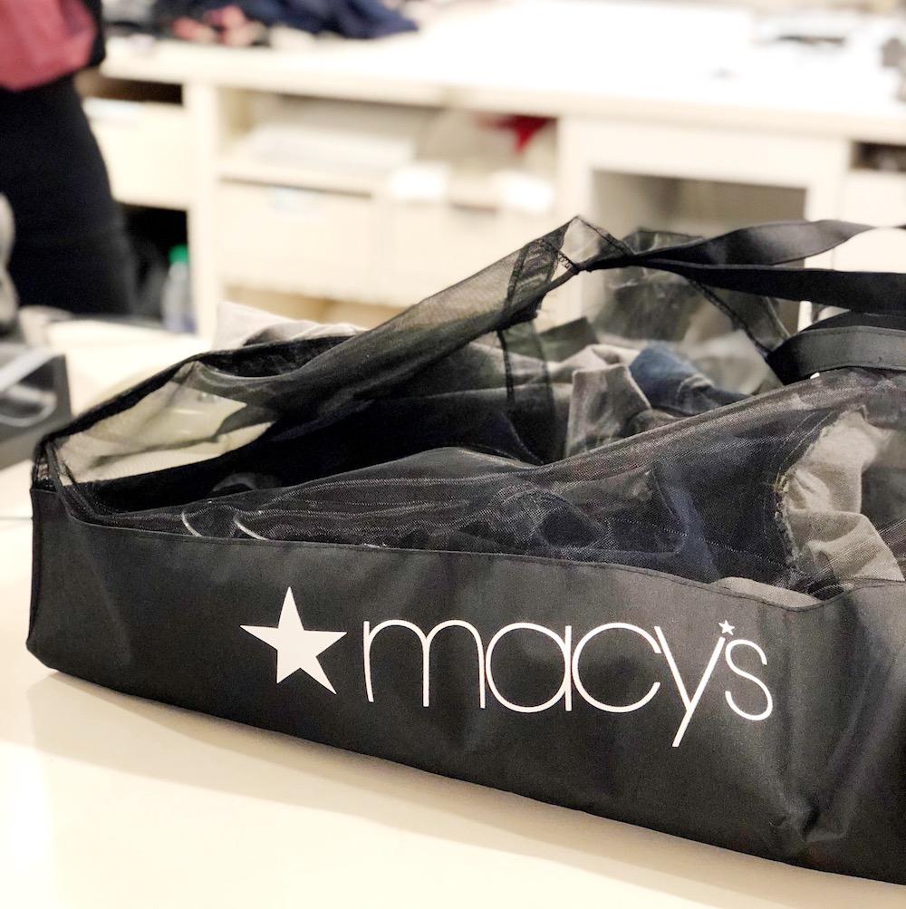Macy's shopping bag | #livingmividaloca #shopmainplace #santaana #mainplacemall #macys #kidstyle #sportystyle