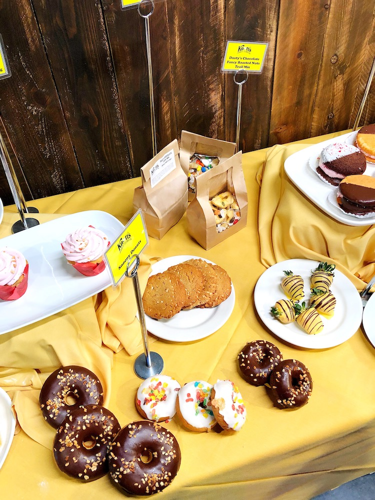 Knott's PEANUTS Celebration food guide. This is the complete 2019 Knott's PEANUTS Celebration food guide to use at Knott's Berry Farm. - LivingMiVidaLoca.com - #LivingMiVidaLoca #KnottsPEANUTSCelebration #KnottsBerryFarm