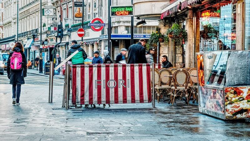 how to save money while traveling in Europe - livingmividaloca.com - #livingmividaloca #familytravel #travelingineurope