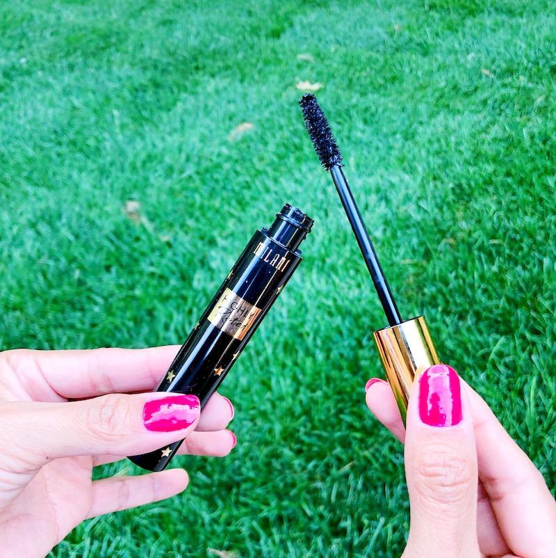 Mascara Tips, Tricks and hacks to Make Your Lashes Look Amazing - livingmividaloca.com - #LivingMiVidaLoca #LMVLSoCal #mascara #makeup #tips