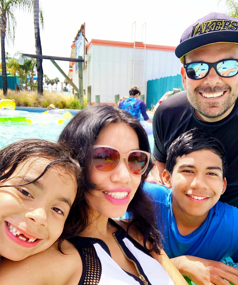 Pattie Cordova and Family at Knott's Soak City sharing tickets prices at the gate in Buena Park, CA - livingmividaloca.com - #LivingMiVidaLoca #KnottsSoakCity #KnottsBerryFarm #BuenaPark
