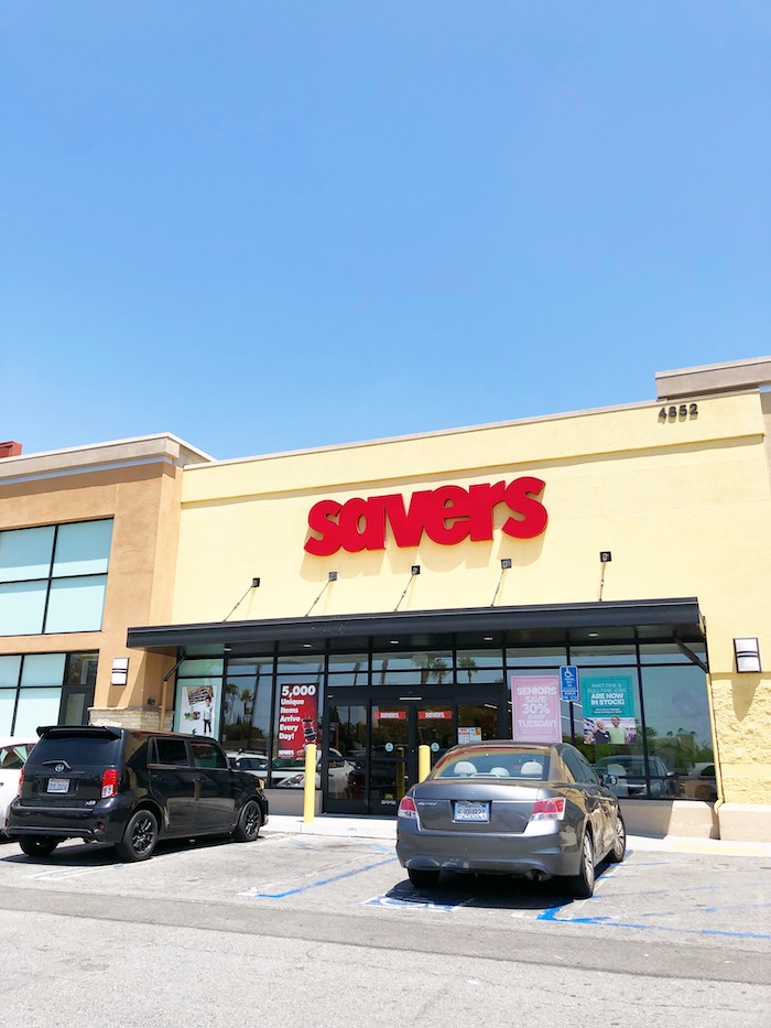 Best tips for shopping at Savers Thrift Store - livingmividaloca.com - #LivingMiVidaLoca #Savers #Thrifting