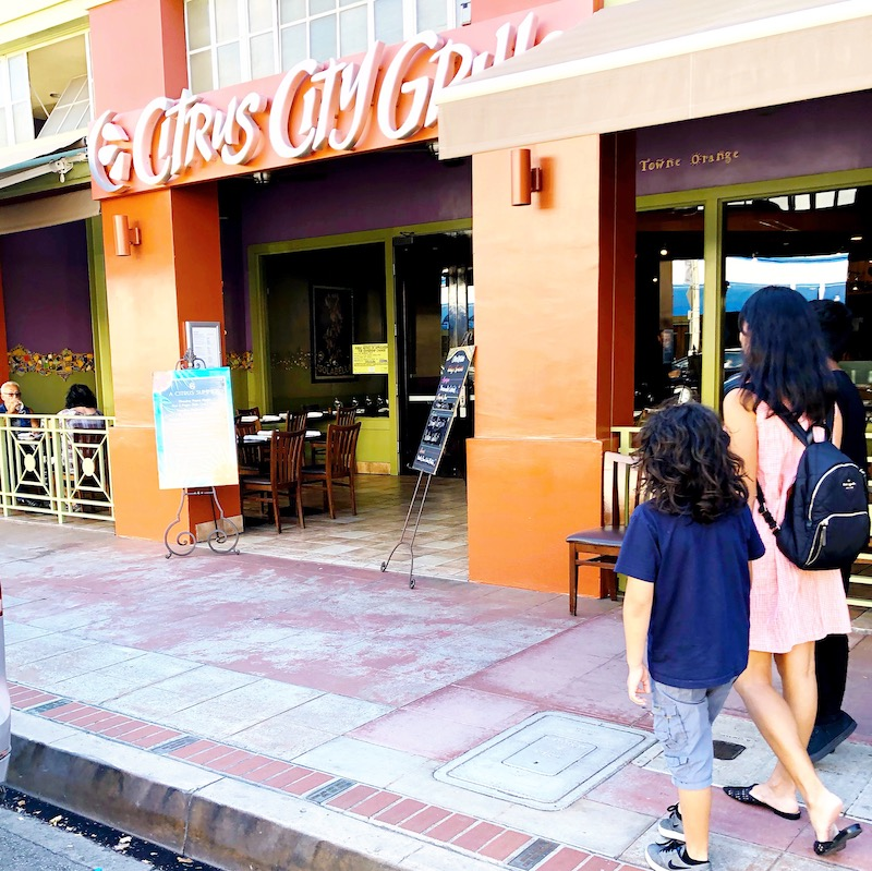 Dining at Citrus City Grill in Old Towne Orange is a great spot for american cuisine with a touch of mediterranean flavor. - livingmividaloca.com - #LivingMiVidaLoca #OldTowneOrange