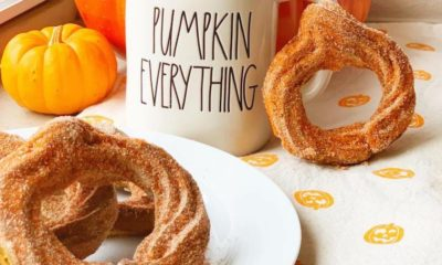 how to make Baked pumpkin spice churros - livingmividaloca.com - #LivingMiVidaLoca #PumpkinSpice #Churros