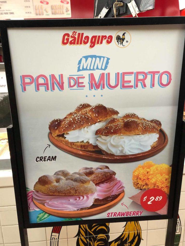 Day of the Dead bread at El Gallo Giro in Santa Ana - LivingMiVidaLoca.com - #LivingMiVidaLoca #DayoftheDead #DiadelosMuertos #Portos