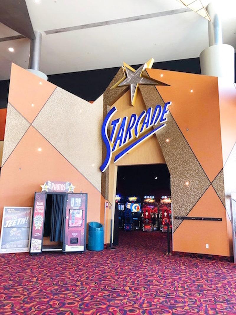 Century Stadium will be your favorite Orange County luxury theater - livingmividaloca.com