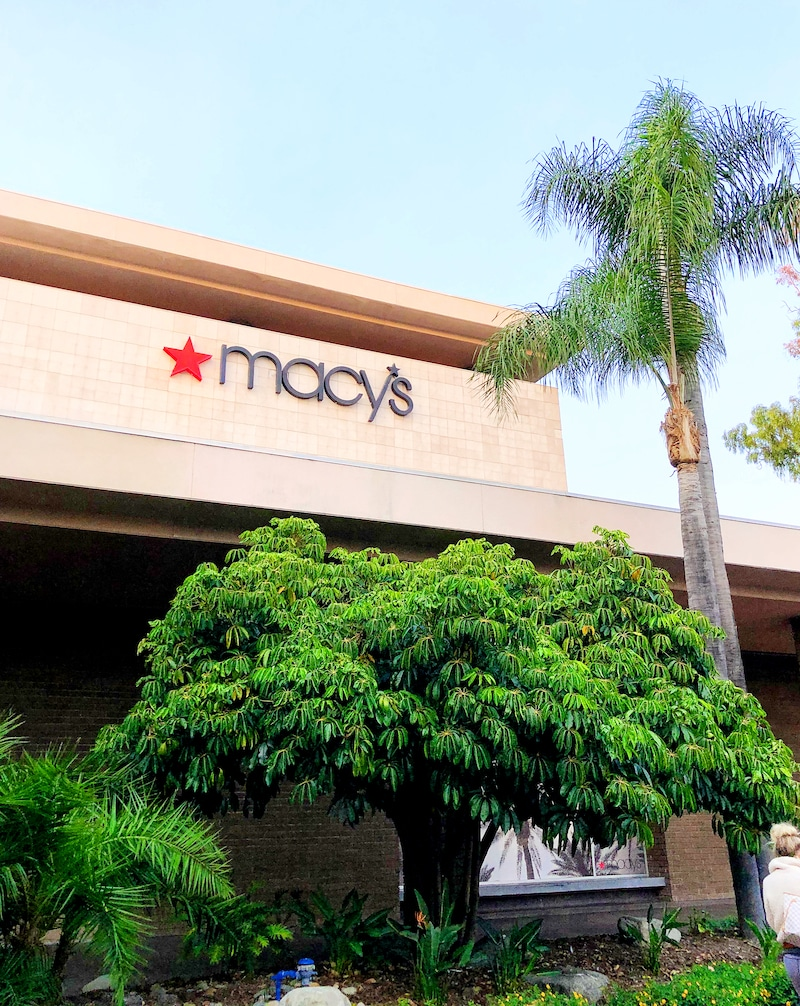 Macy's department store - MainPlace Mall - LivingMiVidaLoca.com
