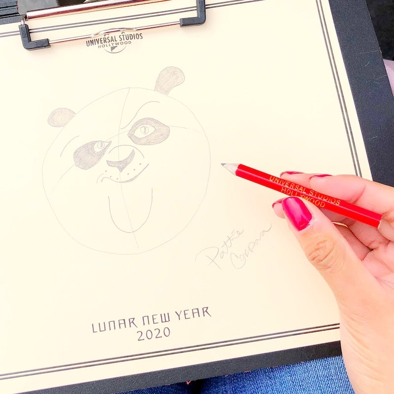 """Guests can participate in a """"Po"""" drawing demonstration at Universal Plaza. - livingmividaloca.com"""