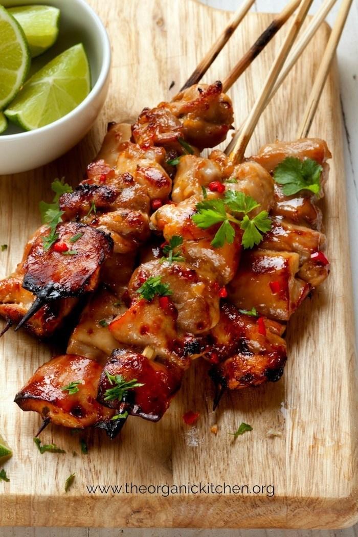Summer barbecue recipes - lime chili chicken skewers - livingmividaloca.com