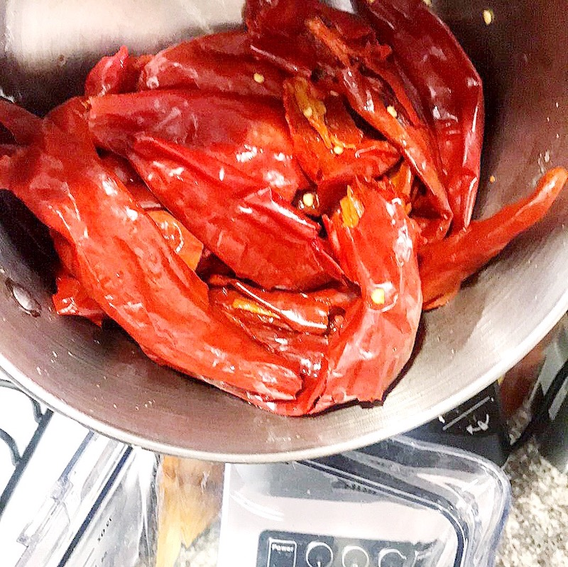 easy homemade red enchilada sauce to use in enchiladas, pozole, menudo and chilaquiles. - livingmividaloca.com