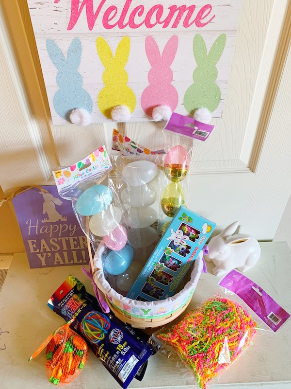 Glow in the Dark Easter egg hunt - livingmividaloca.com