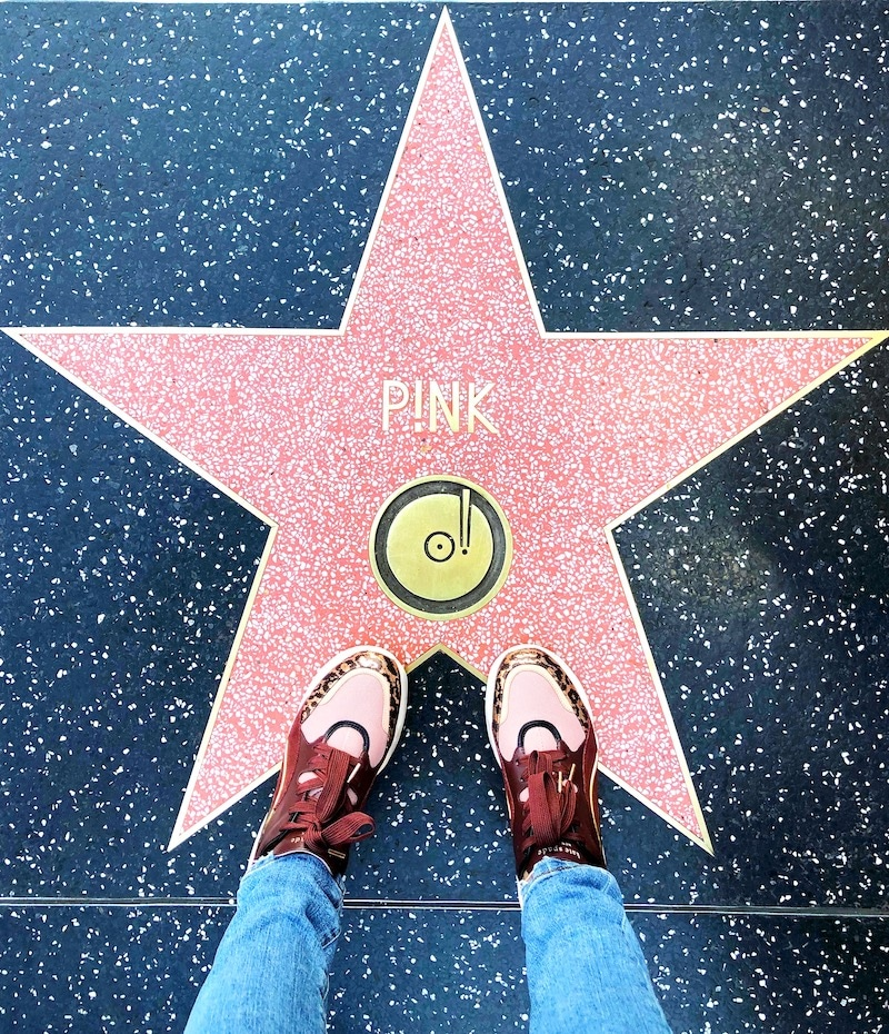 Los Angeles Travel Guide: Things To Know Before Visiting Los Angeles. Walk of Fame - livingmividaloca.com