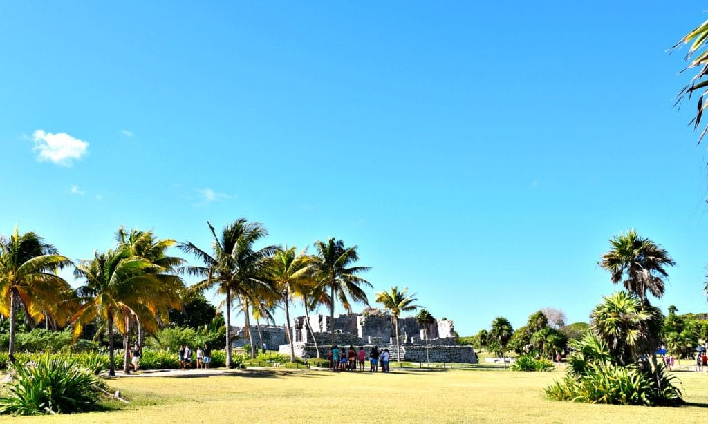 What to expect when visiting the ruins in Tulum for the first time. - livingmividaloca.com