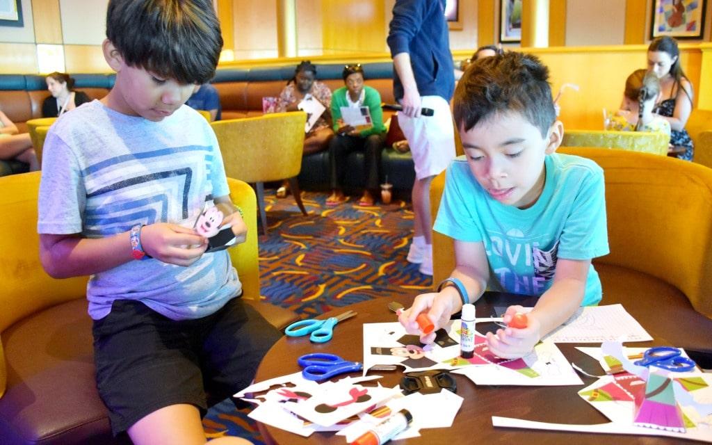What to do on a three day Disney Cruise to Castaway Cay - livingmividaloca.com