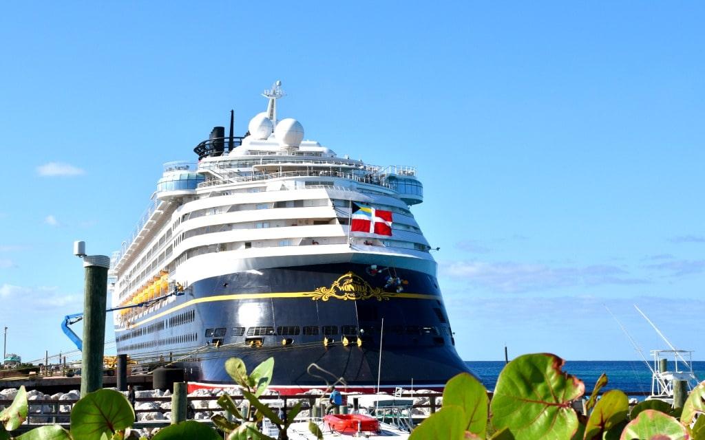 Things to do on a three day Disney Cruise - livingmividaloca.com