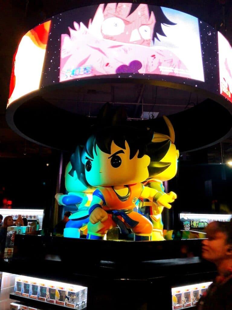 Dragonball Z characters at Funko Hollywood store - livingmividaloca.com