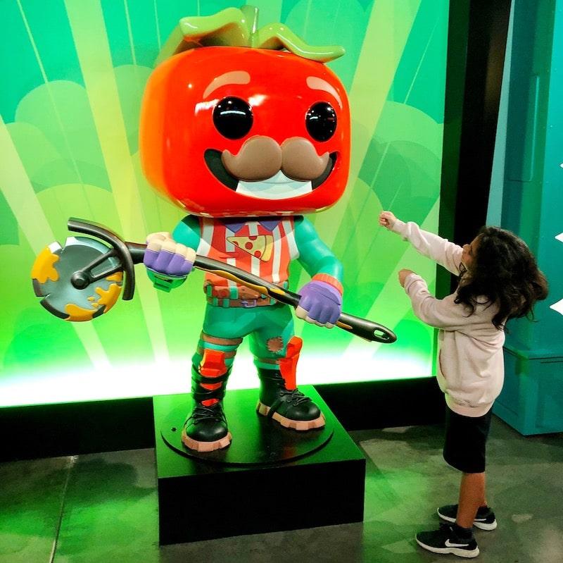 Fortnite characters at Funko Hollywood store - livingmividaloca.com