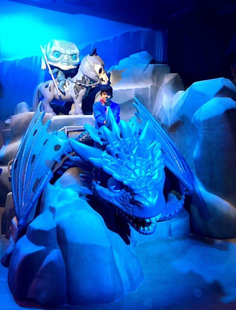 Game of Thrones dragon at Funko Hollywood store - livingmividaloca.com
