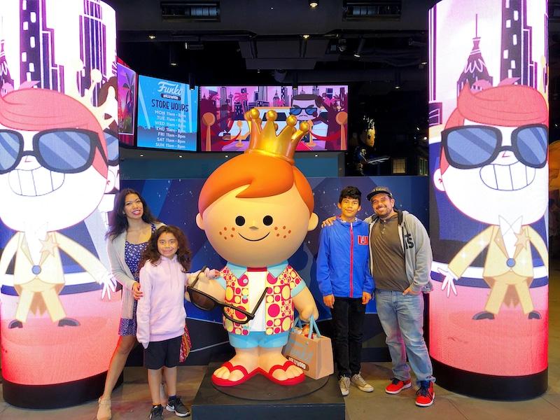 Funko Hollywood store photo opportunity at the entrance - livingmividaloca.com