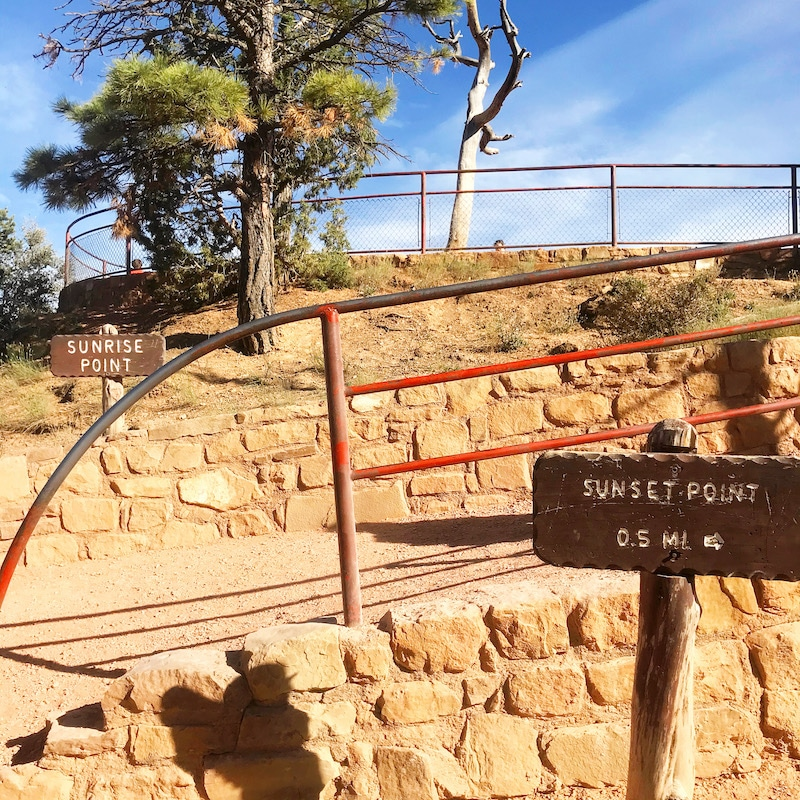 Visiting Sunrise Point at Bryce Canyon Amphitheater on a Zion road trip. - livingmividaloca.com