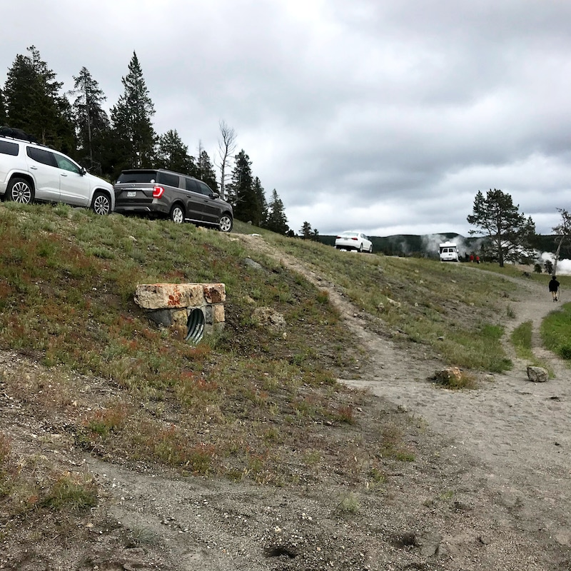 Road trip to Yellowstone with kids and car camping along the way - livingmividaloca.com