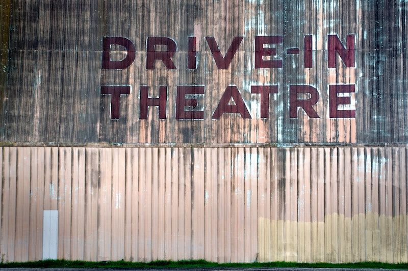 Drive-In Movies in Orange County for Summer 2020 - livingmividaloca.com