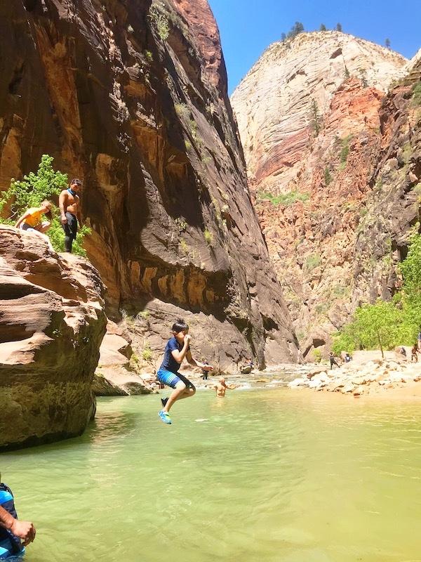 apply and get the 4th grade free national park pass - livingmividaloca.com