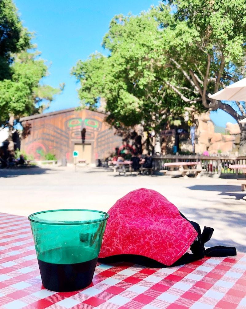 Taste of Calico at Knott's Berry Farm boysenberry sangria - livingmividaloca.com