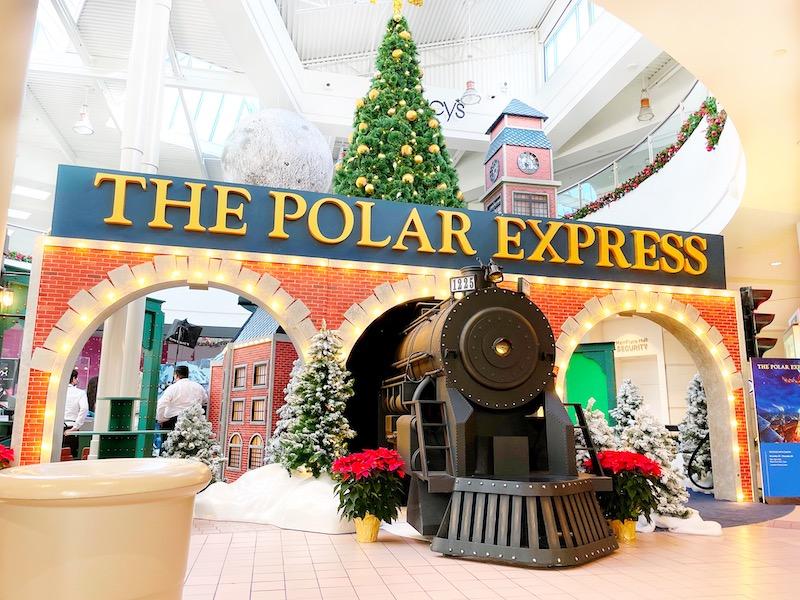 MainPlace Mall has a The Polar Express set for Santa pictures.   LivingMiVidaLoca.com