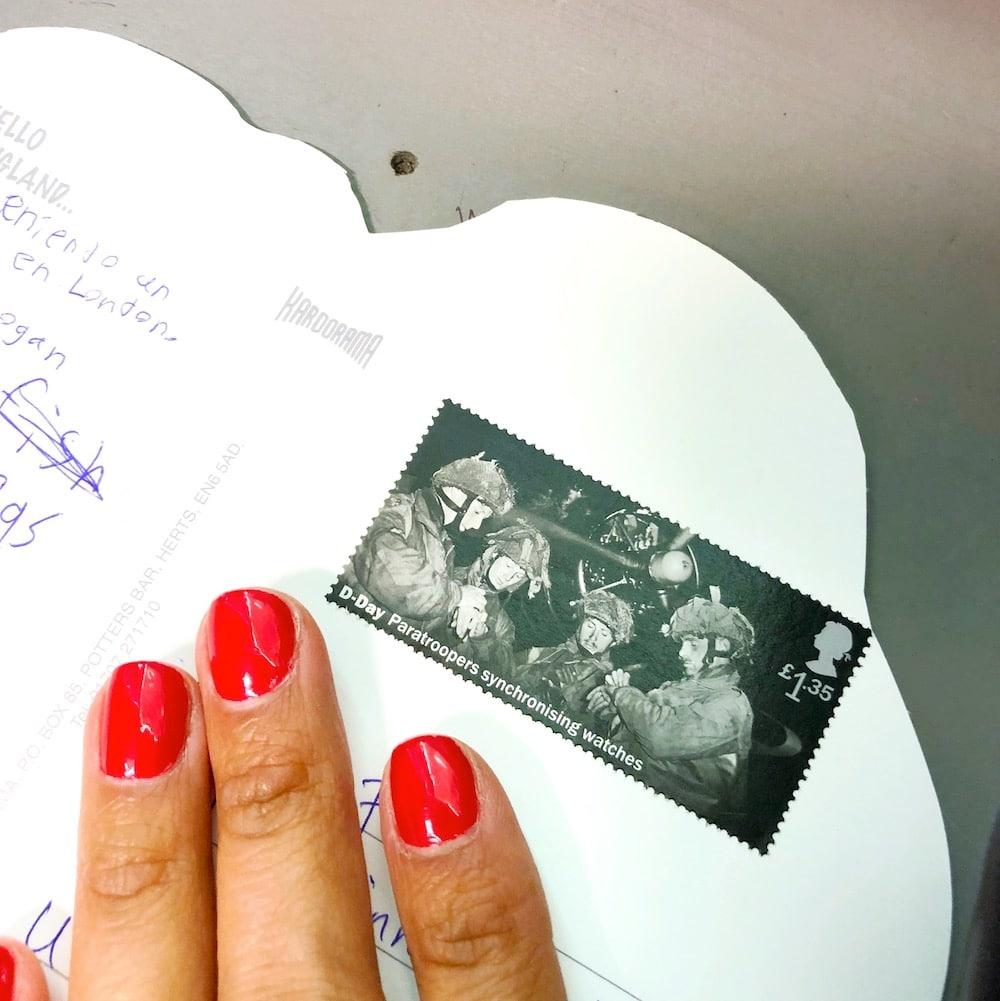 Mailing a postcard - livingmividaloca.com