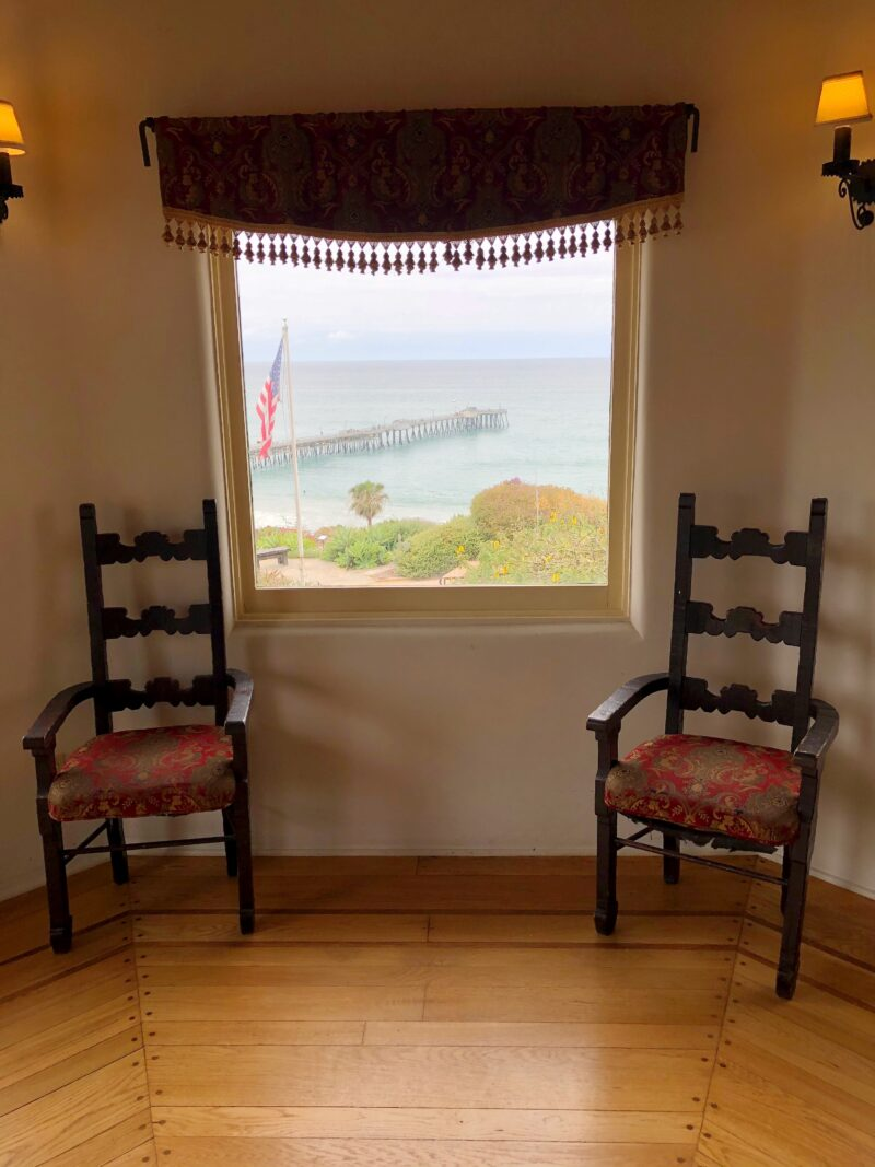 Chair Room with SC Pier
