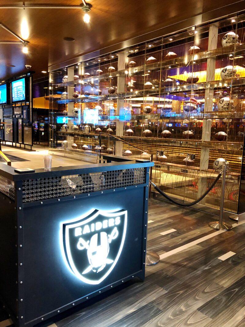 Raiders Tavern front of restaurant