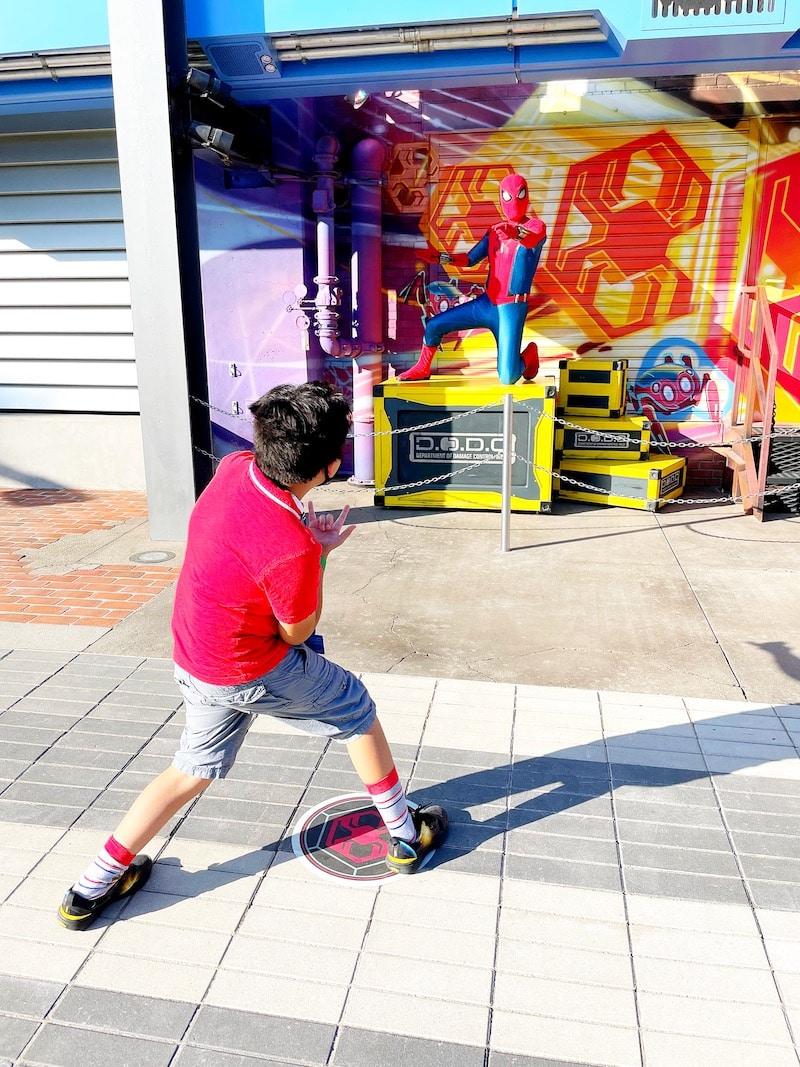 Meet Spider-man at Shop at Web Slingers a Spider-Man Ride - livingmividaloca.com