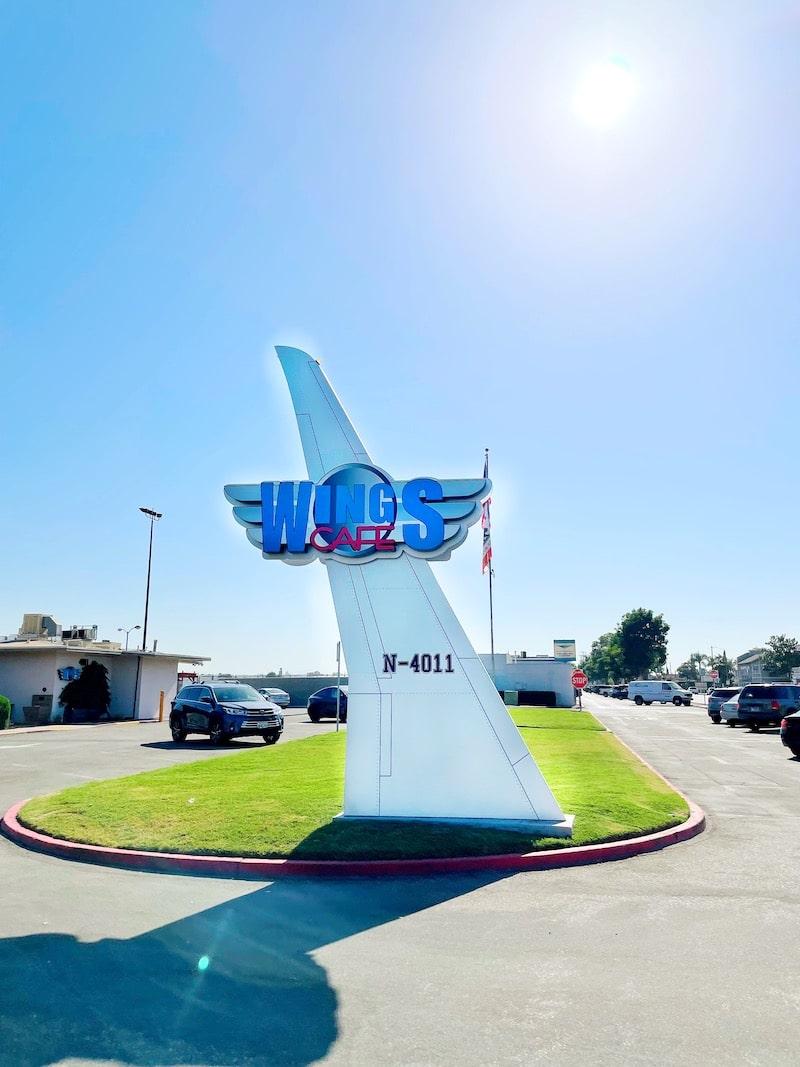Wings Cafe restaurant at Fullerton Airport in Orange County - livingmividaloca.com
